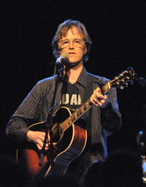 Dan Wilson - Theater of Living Arts - Philadelphia, PA - April 12, 2008 - photo by Jim Rinaldi � 2008