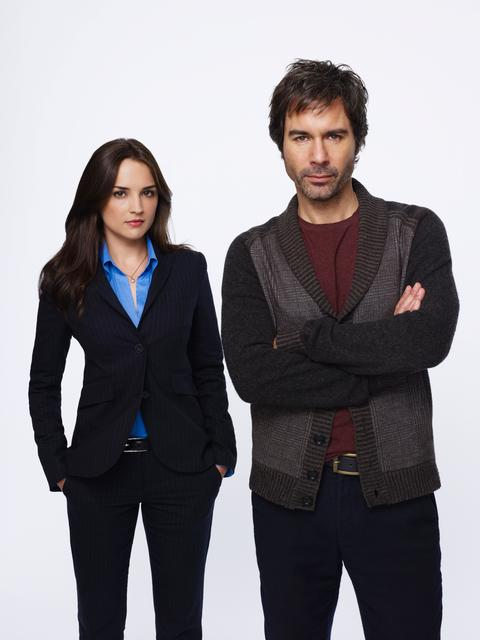 "Rachael Leigh Cook stars as Agent Kate Moretti and Eric McCormack stars as Dr. Daniel Pierce in the TNT drama ""Perception."""