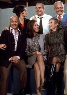 Gavin MacLeod, Valerie Harper, Mary Tyler Moore, Edward Asner, Cloris Leachman and Ted Knight (l. to r.) on 'The Mary Tyler Moore Show.'
