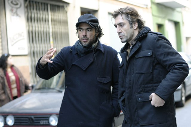 Alejandro González Iñárritu and Javier Bardem making BIUTIFUL.