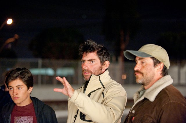 José Julián, Chris Weitz and Demián Bichir filming A BETTER LIFE.