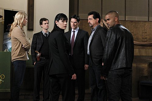 CRIMINAL MINDS: (l to r:) Rachel Nichols, Matthew Gray Gubler, Paget Brewster, Thomas Gibson, Joe Mantegna and Shemar Moore.