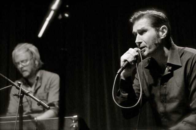 Justin Currie - The Tin Angel - Philadelphia, PA - June 19, 2010 - photos by Jim Rinaldi � 2010