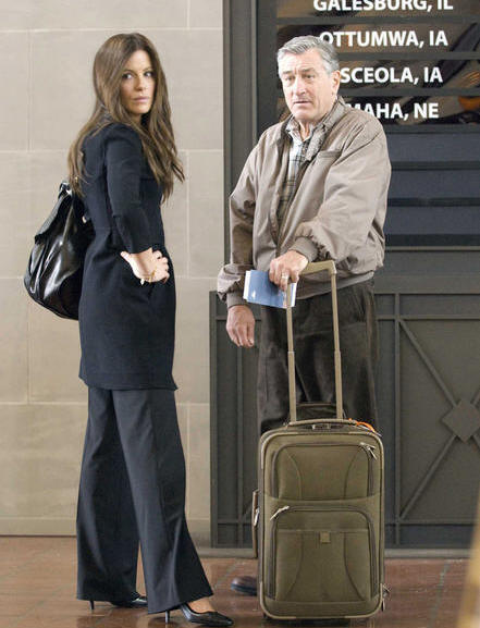 Kate Beckinsale and Robert De Niro in 'Everybody's Fine.'