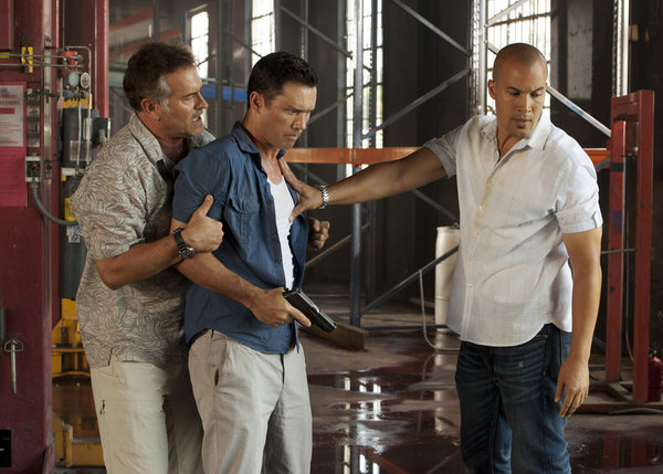 "BURN NOTICE -- ""Desperate Measures"" -- Pictured: (l-r) Brunce Campbell as Sam Axe, Jeffrey Donovan as Michael Westen, Coby Bell as Jesse Porter -- (Photo by Glenn Watson/USA Network)"