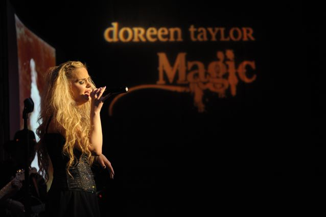 Doreen Taylor - World Caf� Live - Philadelphia, PA - May 23, 2013 - photo by Jim Rinaldi � 2013