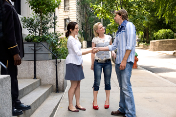 Tina Fey, Amy Poehler and Dax Sheppard in 'Baby Mama.'
