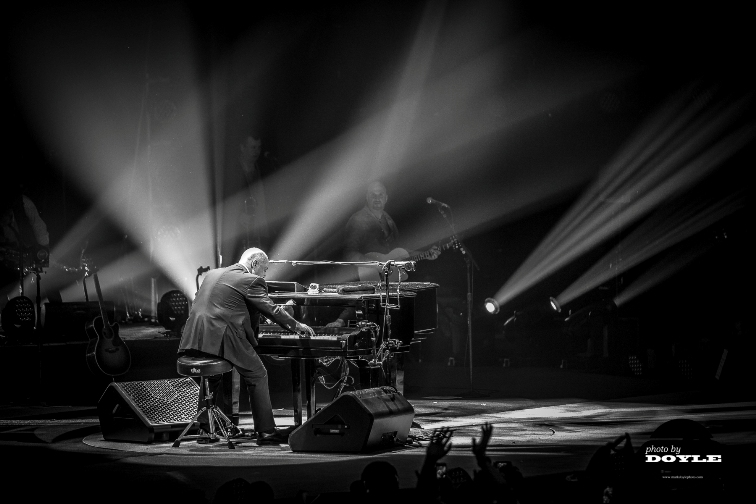 Billy Joel - Barclays Center - Brooklyn, NY - December 31, 2013 - photo by Mark Doyle � 2013