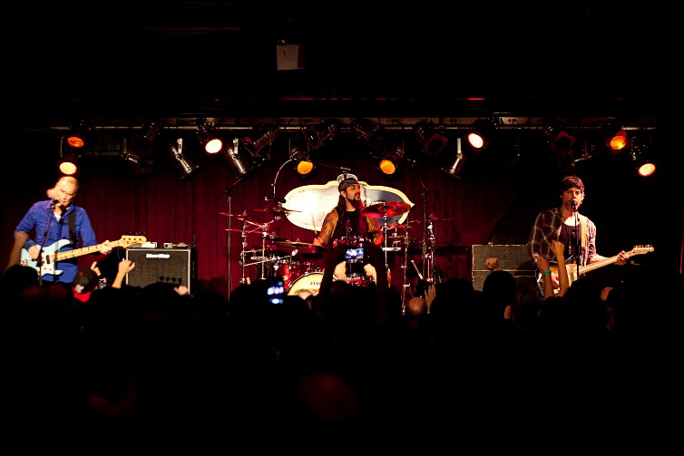 The Winery Dogs - B.B. King's Blues Club - New York, NY - August 3, 2013 - photo by Mark Doyle � 2013