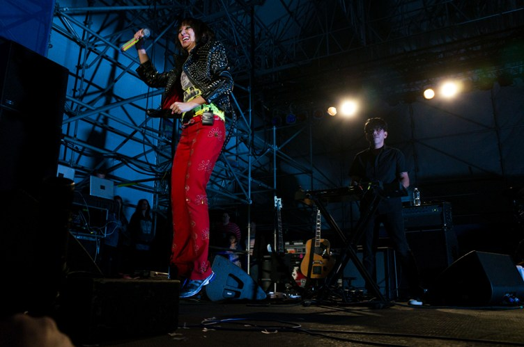 Yeah Yeah Yeahs - River Stage at Great Plaza - Philadelphia, PA - September 17, 2013 - photo by Serge Levin � 2013