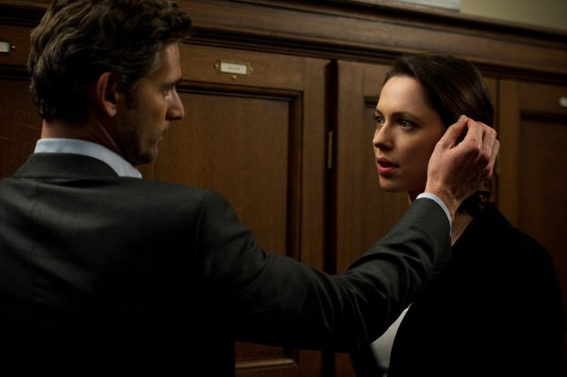 "Eric Bana and Rebecca Hall star in ""Closed Circuit."""