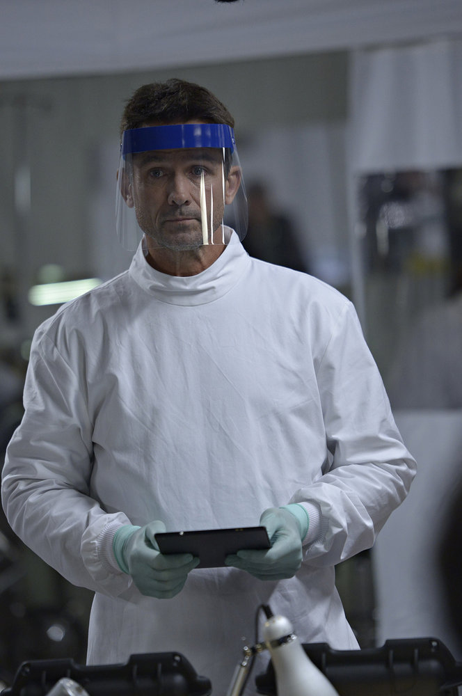 "HELIX -- ""274"" Episode 103 -- Pictured: Billy Campbell as Dr. Alan Farragut -- (Photo by: Phillipe Bosse/Syfy)."