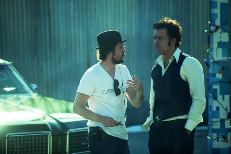 'Blood Ties' director Guillaume Canet with Clive Owen on set.