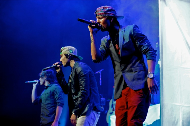 Emblem3 - Wells Fargo Center - Philadelphia, PA - October 18, 2013 - photo by Jim Rinaldi � 2013