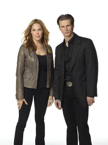 IN PLAIN SIGHT -- Season:4 -- Pictured:(l-r) Mary McCormack as Mary Shannon, Frederick Weller as Marshall Mann -- Photo by: Robert Ascroft/USA Network