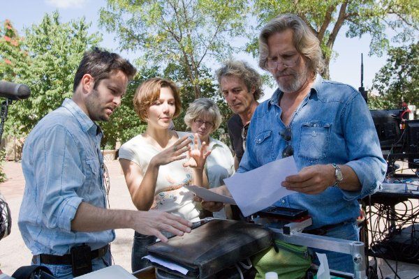 Writer/Director Scott Cooper, Maggie Gyllenhaal and Jeff Bridges making 'Crazy Heart.'