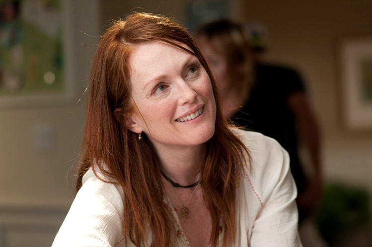 julianne moore tops her son