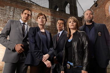 LAW & ORDER: CRIMINAL INTENT -- Pictured: (l-r) Julianne Nicholson as Detective Megan Wheeler, Jeff Goldblum as Detective Zach Nichols, Eric Bogosian as Captain Denny Ross, Kathryn Erbe as Detective Alexandra Eames, Vincent D'onofrio as Detective Robert Goren -- USA Network Photo: Miranda Penn Turin