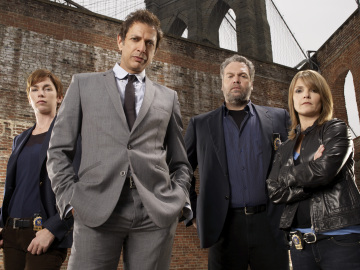 LAW & ORDER: CRIMINAL INTENT -- Pictured: (l-r) Julianne Nicholson as Detective Megan Wheeler, Jeff Goldblum as Detective Zach Nichols, Vincent D'onofrio as Detective Robert Goren, Kathryn Erbe as Detective Alexandra Eames -- USA Network Photo: Miranda Penn Turin