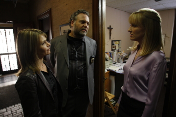 "LAW & ORDER: CRIMINAL INTENT -- ""Faithfully"" Episode 8001 -- Pictured: (l-r) Kathryn Erbe as Detective Alexandra Eames, Vincent D'onofrio as Detective Robert Goren, Janel Moloney as Alison Wyler -- USA Network Photo: Will Hart"
