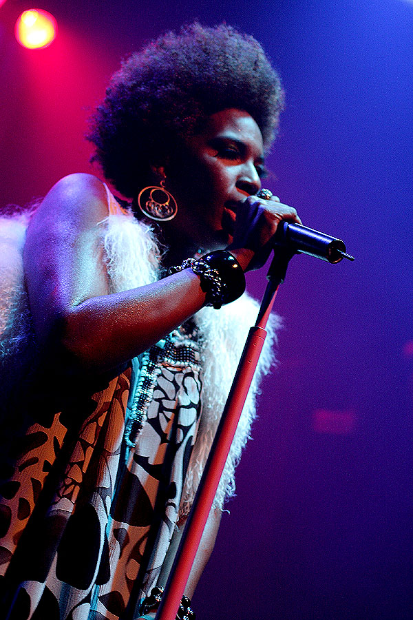 Macy Gray - Gramercy Theater - New York, NY - October 5, 2010 - photos by Mark Doyle � 2010