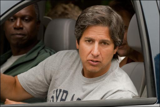 Andre Braugher and Ray Romano in MEN OF A CERTAIN AGE.
