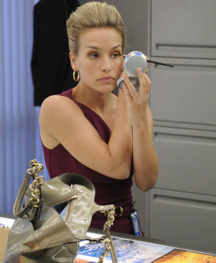 COVERT AFFAIRS -- Episode 101 -- Pictured: Piper Perabo as Annie Walker -- Photo by: Steve Wilkie/USA Network