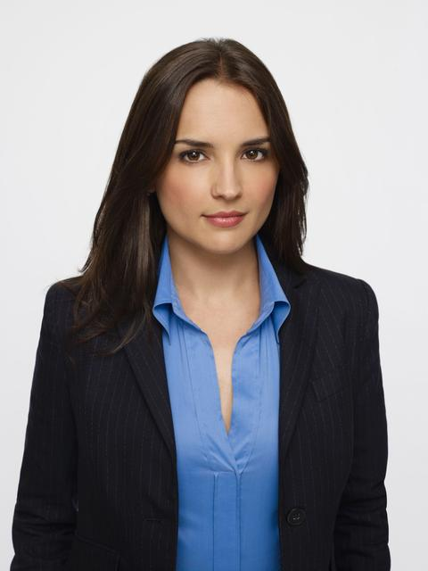 "Rachael Leigh Cook stars as Agent Kate Moretti in the TNT drama ""Perception."""