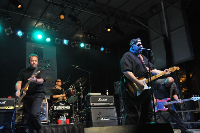 The Smithereens - Carteret Park - Carteret, NJ - September 4, 2010 - photos by Jim Rinaldi � 2010