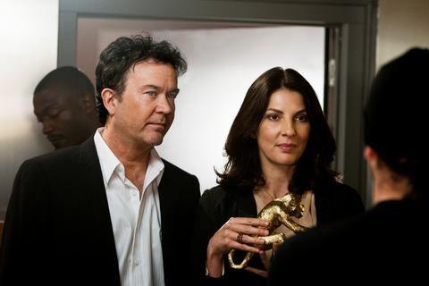 Timothy Hutton and Gina Bellman in LEVERAGE.