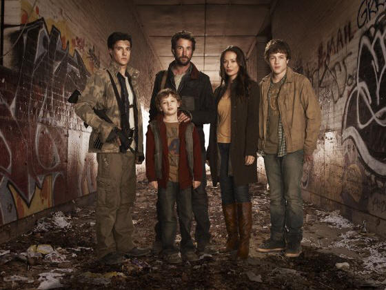 Drew Roy, Maxim Knight, Noah Wyle, Moon Bloodgood and Connor Jessup star in the TNT Network series FALLING SKIES.